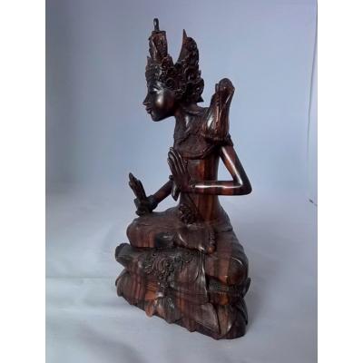 Budha, snijwerk uit Indonesië.