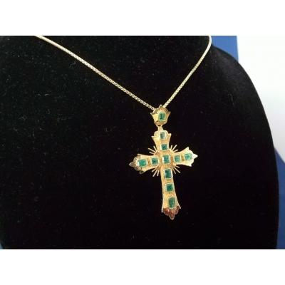18 karaat gouden kruis met smaragd